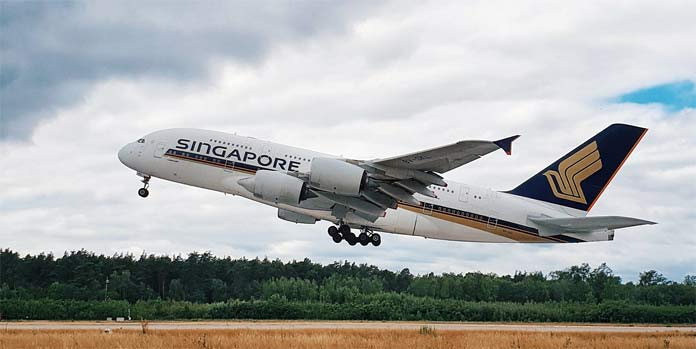 singapore airlines a380 take-off